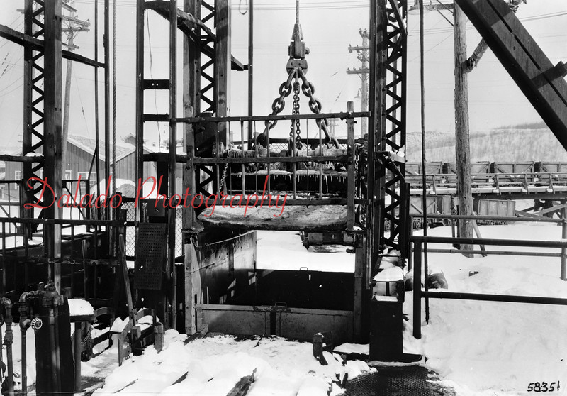 (January 1945) Safety appliances on cages at man and coal shaft. No. 2 shaft, Maple Hill Colliery, is used for Philadelphia Coal and Iron Co.