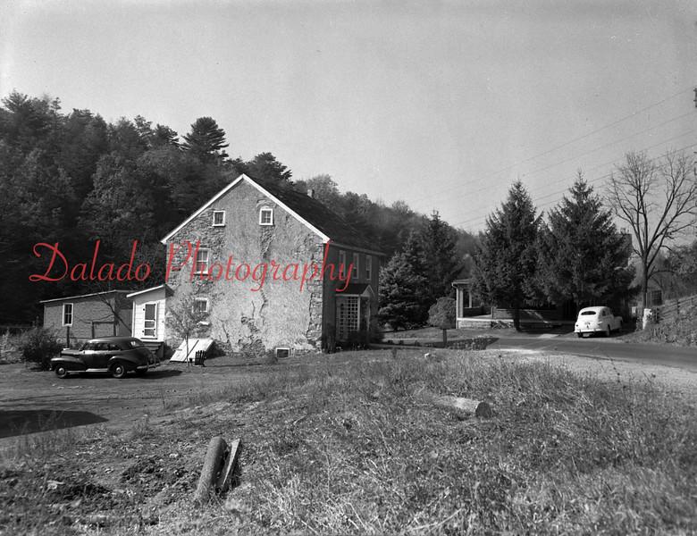 (1953) Irish Valley.