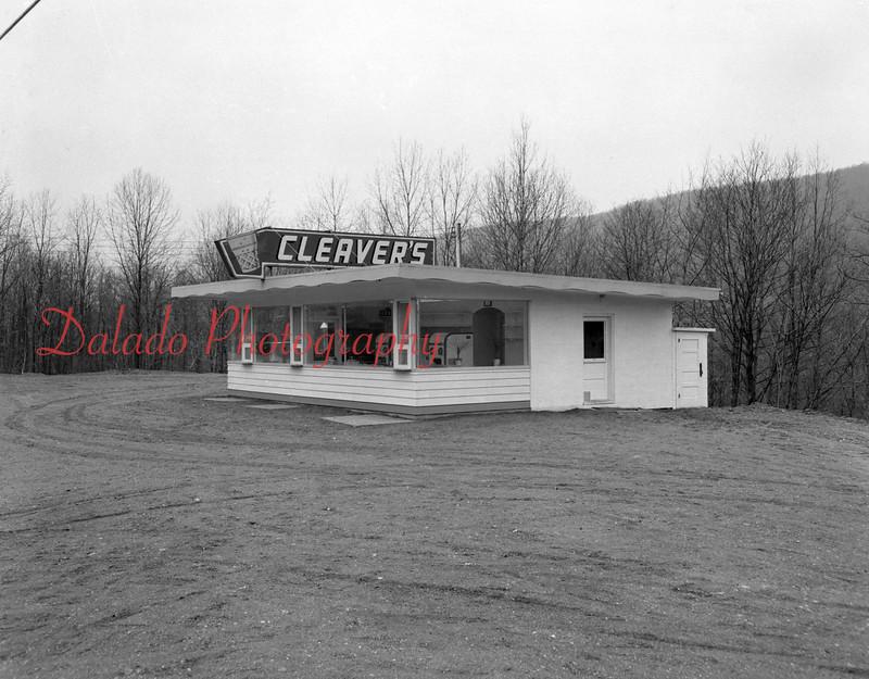 (March 1953) Cleaver's along Trevorton Road.