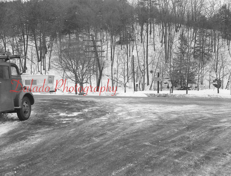(Dec. 19, 1960) Route 225 intersection at Dornsife.