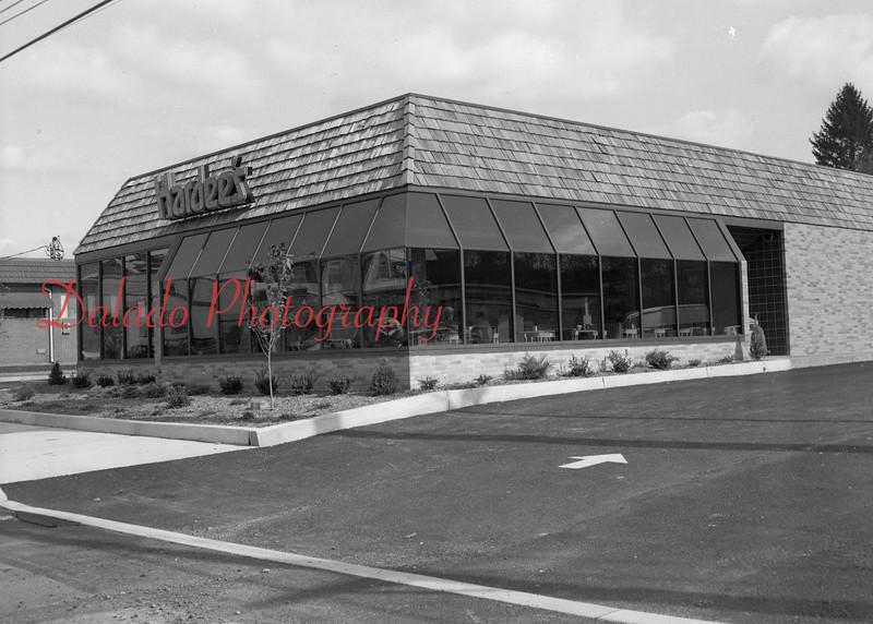 (10.25.87) Hardee's in Frackville.