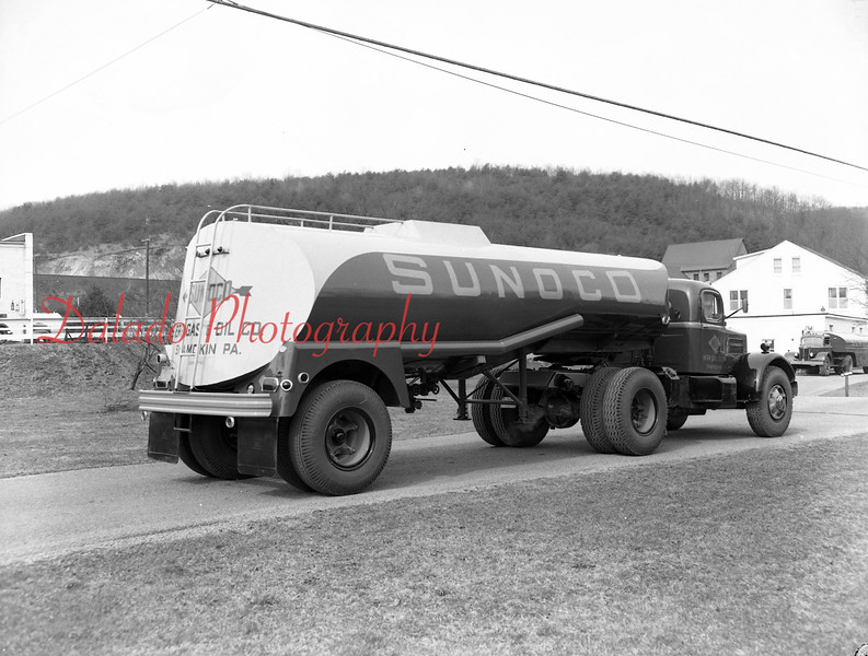 (1958) Sunoco Herr Gas and Oil Co. truck.