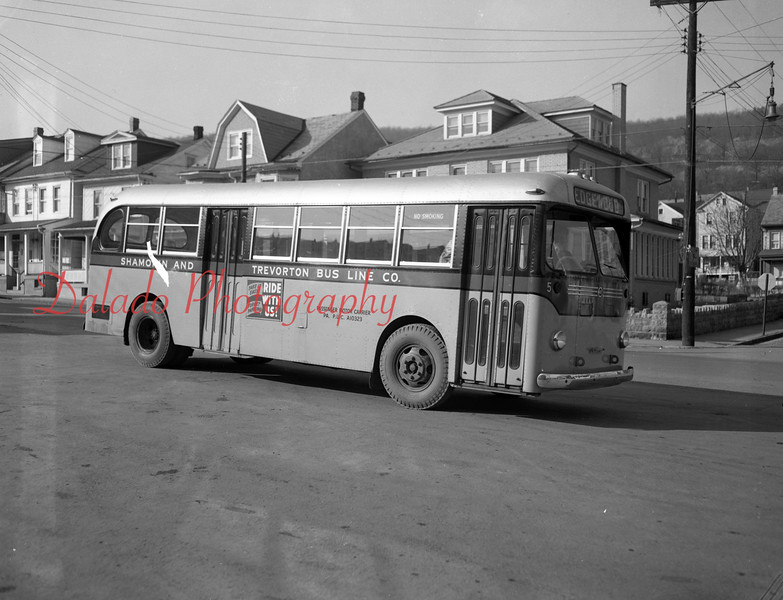 (02.19.1953) Old-time bus coming from Edgewood.