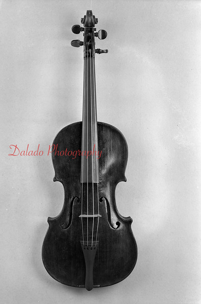 "(Feb. 21, 1944) Violin of ""Steck."""