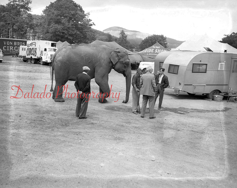 (06.09.1955) Von Brothers Circus. This appears to be in the Edgewood section of Coal Township.