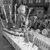 (1958) Shamokin Santa parade with King Lollypop.
