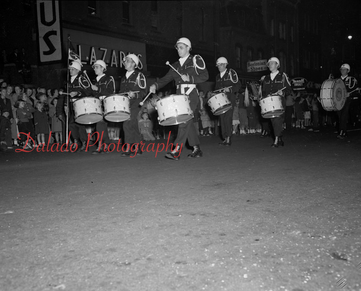 (09.18.1952) Parade, maybe Mount Carmel.