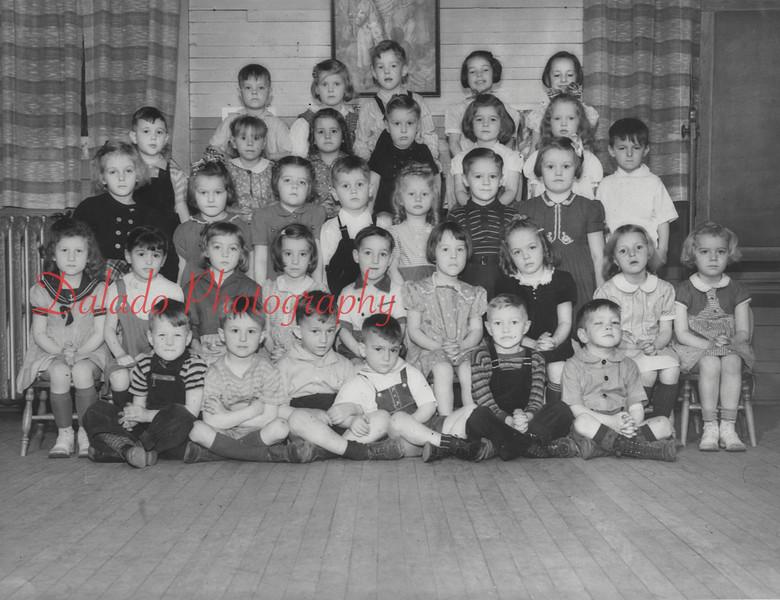 (1942) Kindergarten class of First Baptist.