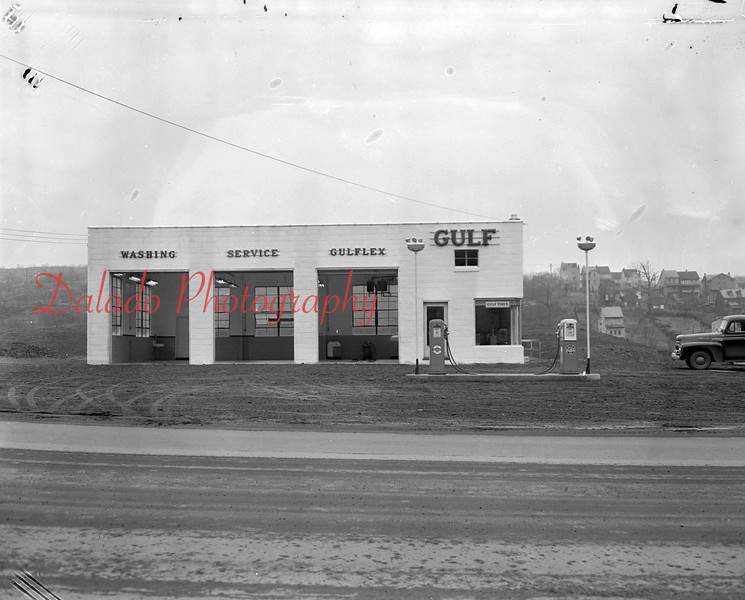 (03.29.1951) Gulf Station at Berrys.
