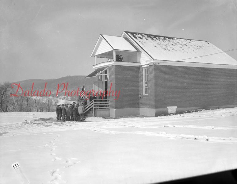 (1958) Unknown school.
