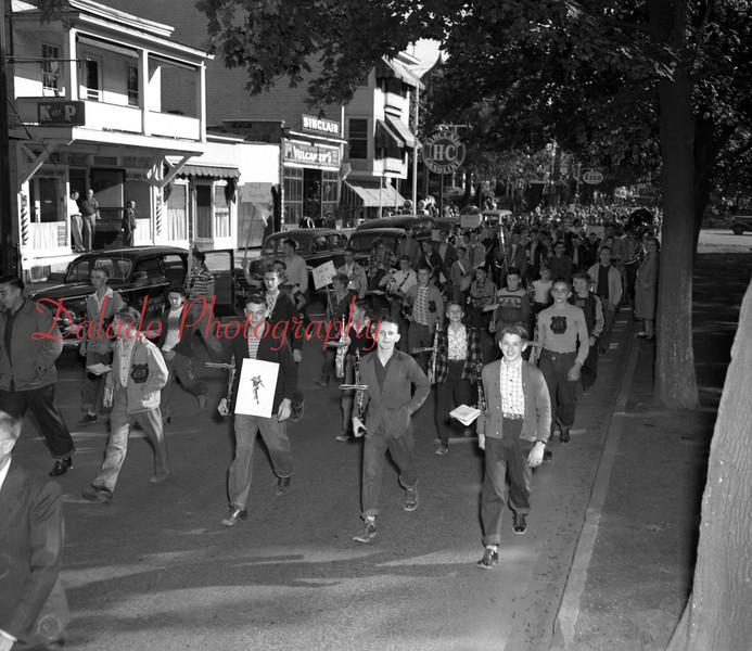 (1954) Shamokin band in a parade on Market Street.