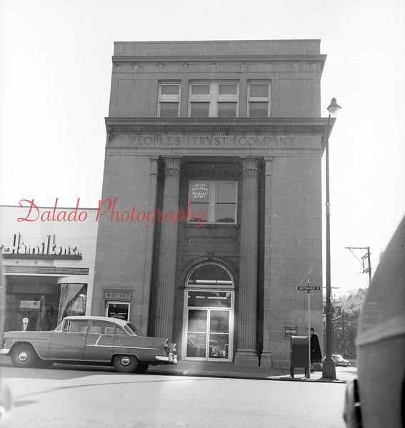 (Oct. 1957) Peoples Trust Bank.