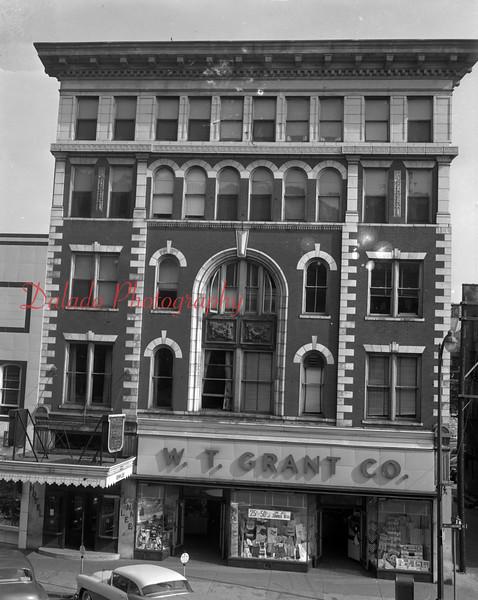 (1955) W.T. Grant Co. in Shamokin.