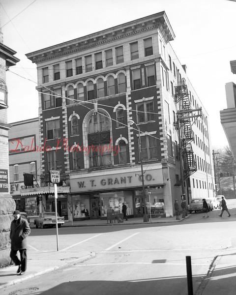 (04.11.56) W.T. Grant Co.