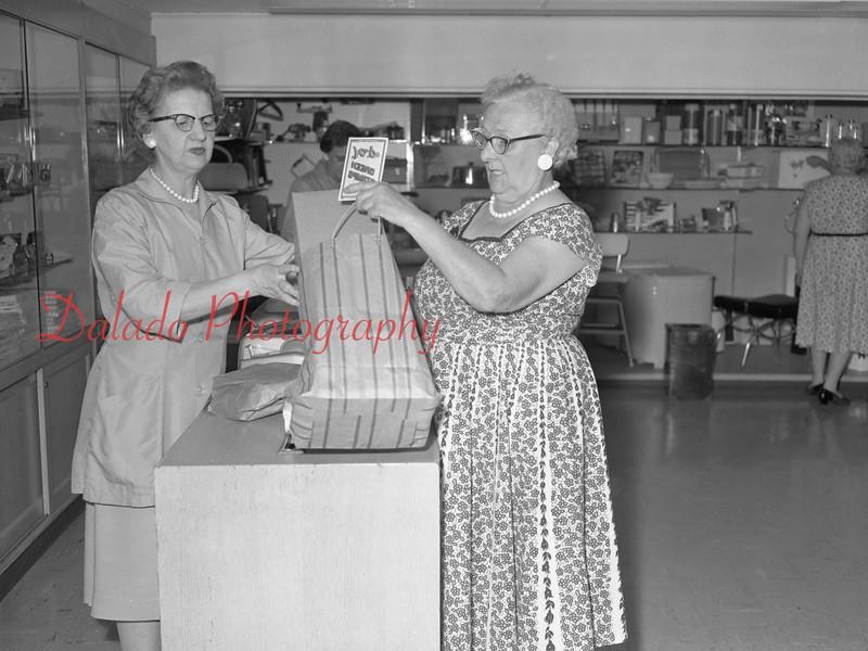 (1961) Green Stamp Store in Shamokin.