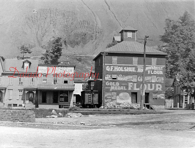 G.F. Holshue Flour at Commence and Market streets.