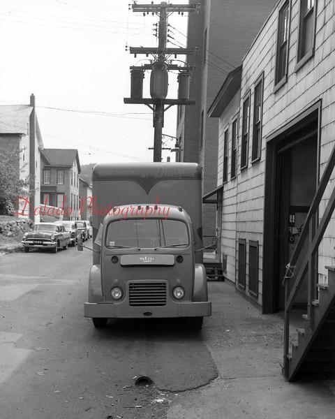 (09.06.55) Shroyers truck.