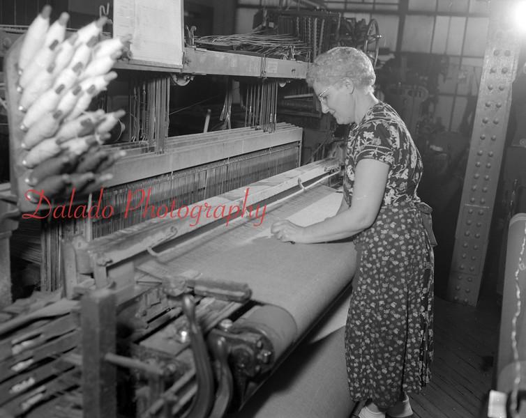 (02.14.1952) Woolen Mills. Laura Pinmonit.
