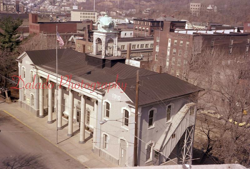 (05.10.77) City Hall.