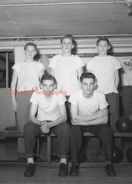 (1961) Bowling team.
