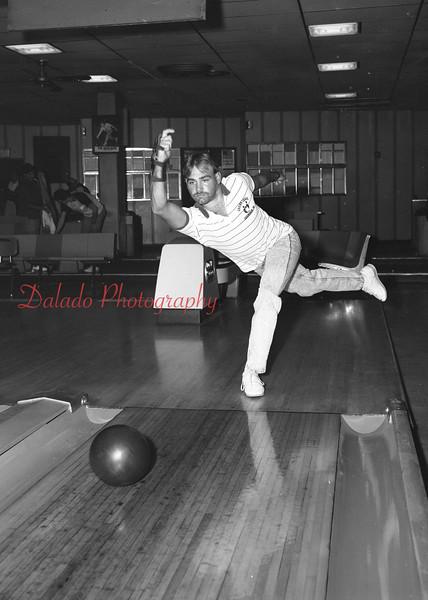 (09.26.91) Scott Segedy bowling a 700 game.