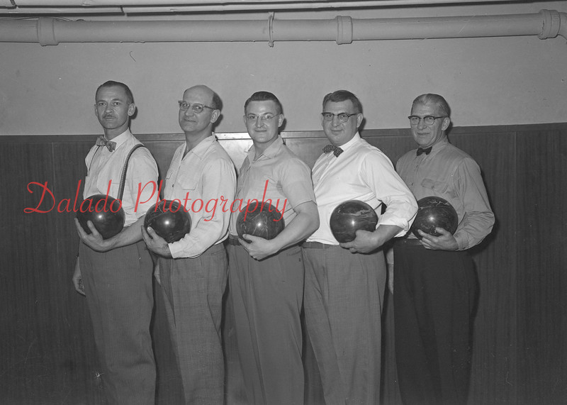 (1955) Bowling group.