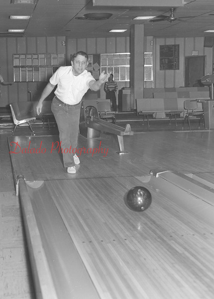 (01.08.81) Fred Rossi bowls a 700 game.