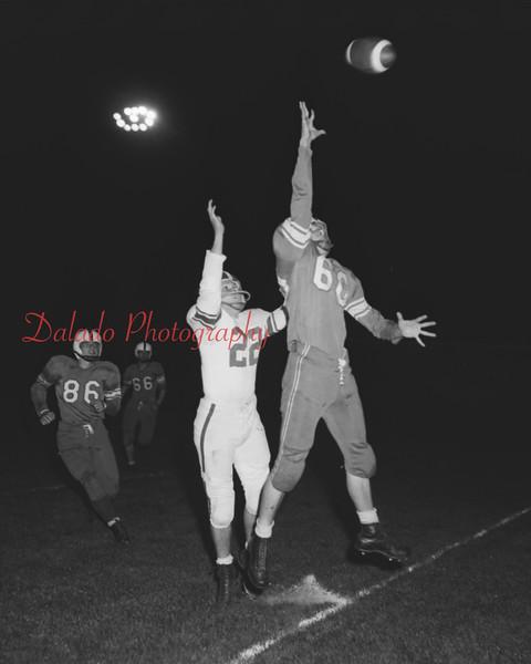 (1958) Football.