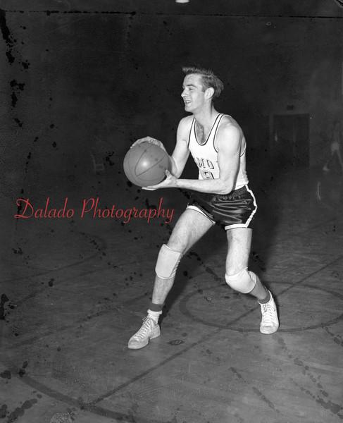 (03.04.54) Dan Murdock, player for Coal Township High School.