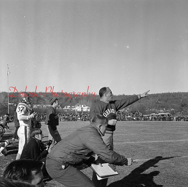 (12.06.1969) Mount Carmel versus Valley View.