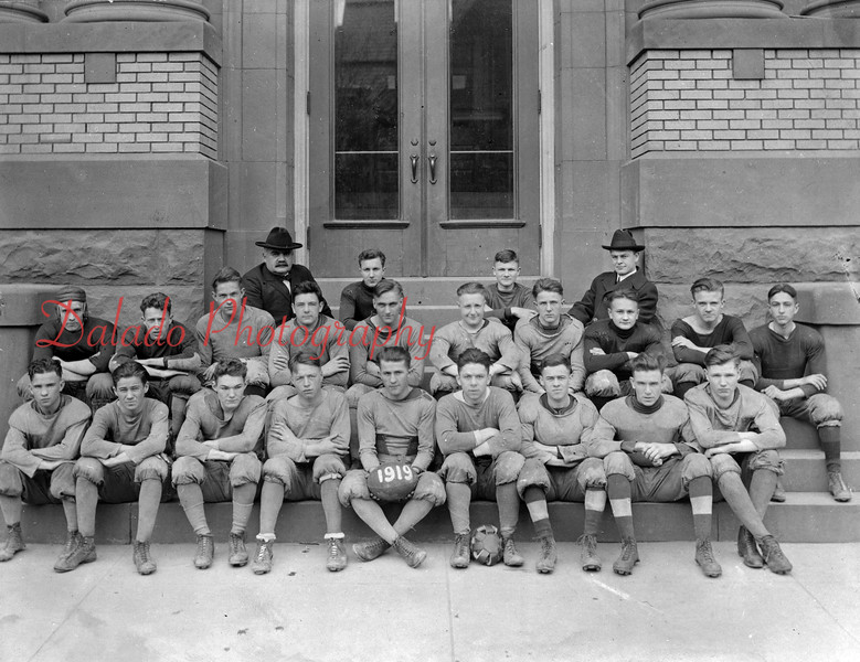 (1919) Mt. Carmel football team.