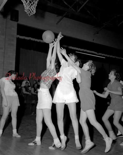 (02.14.1952) Girls basketball, maybe Lourdes.