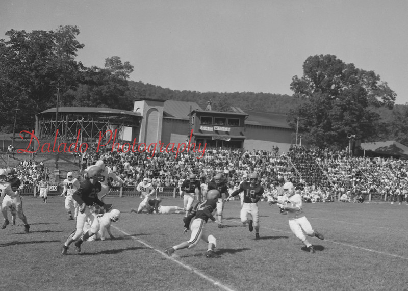 (1958) Shamokin football.