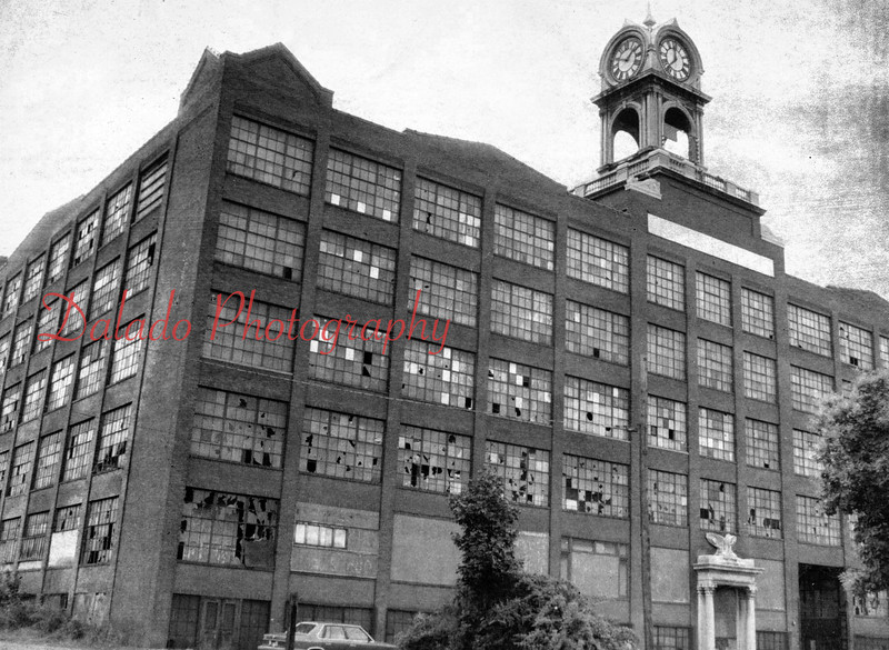 The Shamokin Woolen Mills leased a portion of The Mill. The company was reorganized in August of 1938, as the Shamokin Dye and Print Works, Inc. Heading the group were Tony Van Maanen, president; and Arthur Gardiner, vice president. The Print and Dye Works failed in 1942 and was reorganized as the Shamokin Realty Corporation.