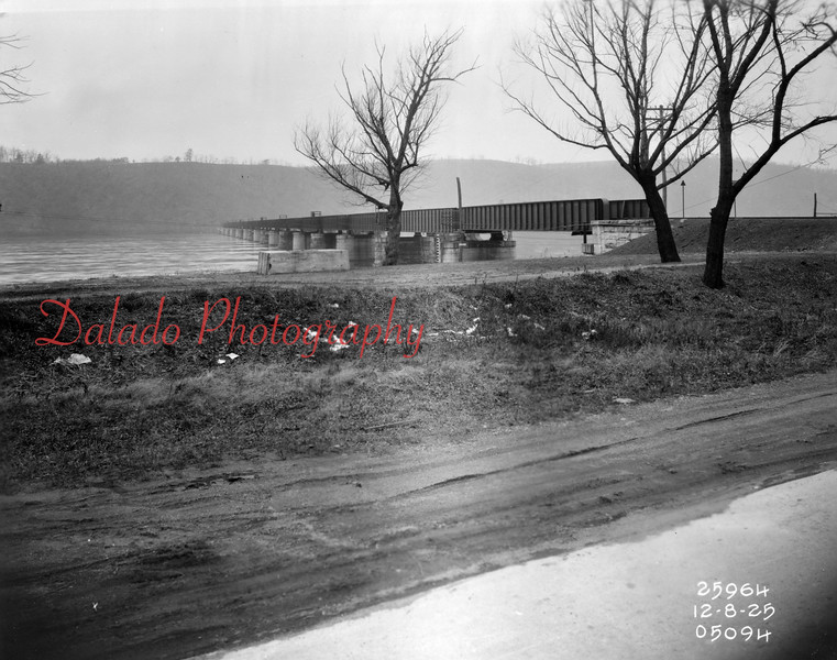 (12.08.1925) Sunbury railroad bridge.