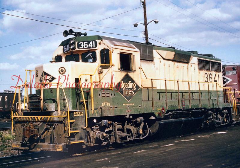 Reading train 3641.