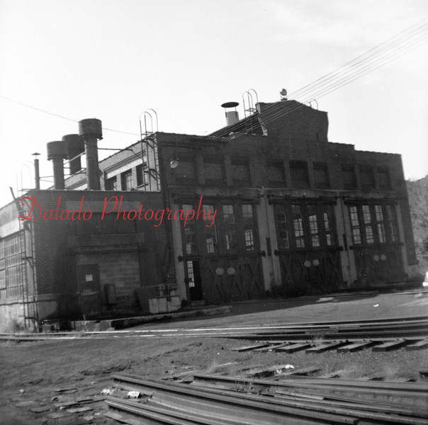 (1967) Reading engine house in the Fifth Ward.