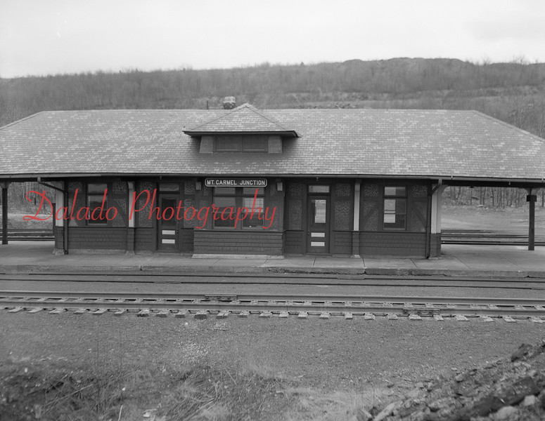 (March 1954) Mount Carmel junction.
