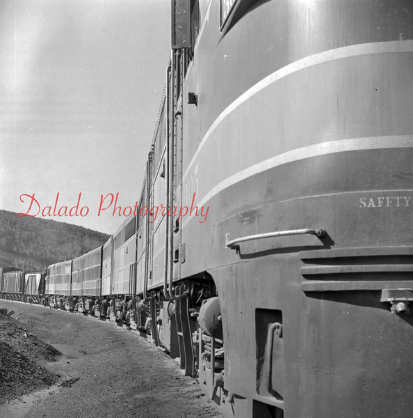 (Oct. 1957) Reading train on a curve.
