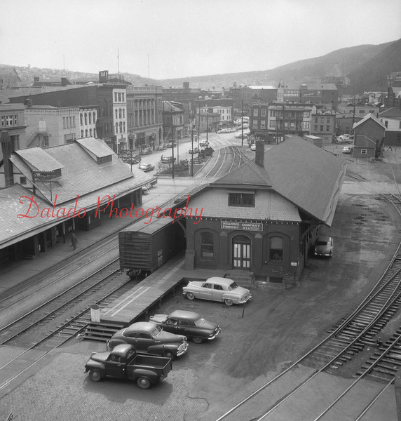 Reading Station and Freight in Shamokin.