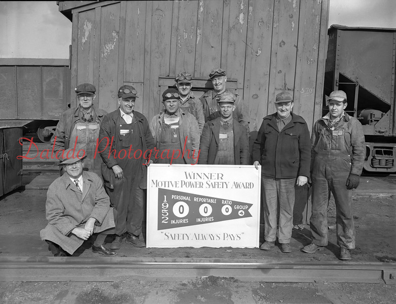 (11.06.52) Safety Award to men at Locust Summit.