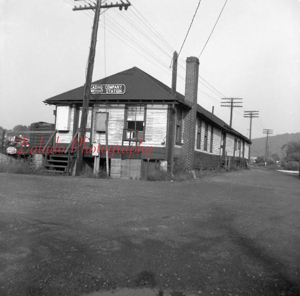 (1970) Reading Freight in Sunbury.