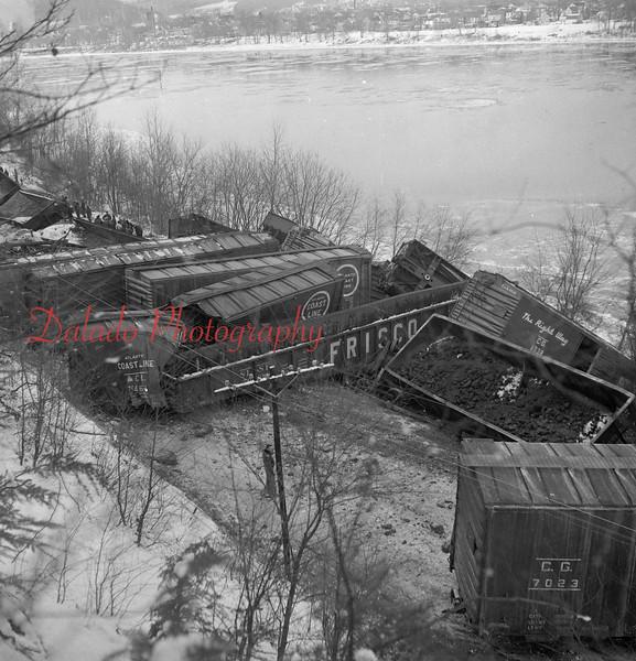 (1958) Wreck along the river near Sunbury.