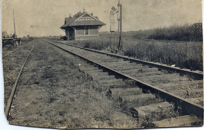 Depot at Hugo, Alabama, circa 1910.