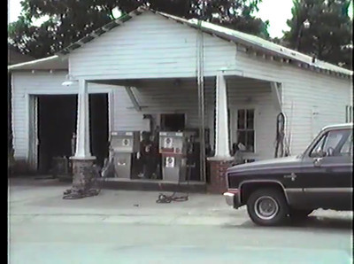 Anderson Garage (no longer standing) located on Highway 25 South.