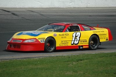 Thompson Speedway 5-10-2006 practice Late Models and Pro stocks