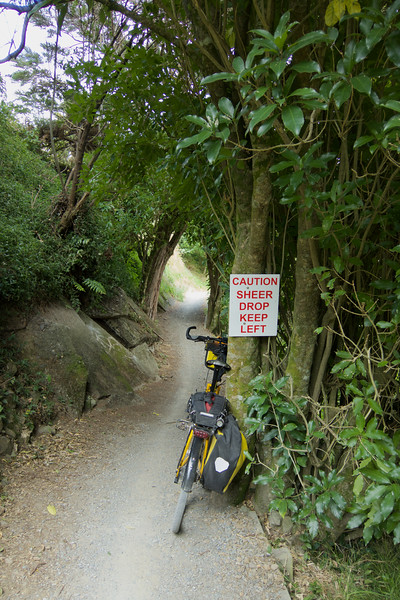 Part of the route of the Tour Aotearoa 2016 that I have been following with much interest lately. <br /> <br /> And you know the embarrassing thing - for the last few days riding past the sign I thought it was saying that the drop off was on the left!, which I thought was odd as I knew it was on the right!  Today when I actually stopped to take the photo I finally understood it properly!