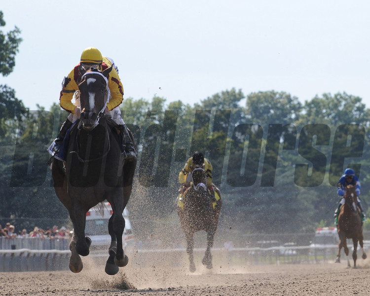 Rachel Alexandra wins the 2009 Mother Goose.<br /> Coglianese Photo