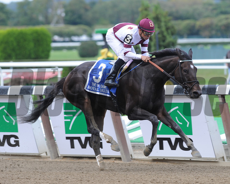 Royal Delta wins the 2012 Beldame.<br /> Coglianese Photos