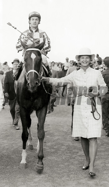 Penny Chenery leads Secretariat into the winner's circle after the 1973 Man o' War Stakes.<br /> Photo by: Bob Coglianese